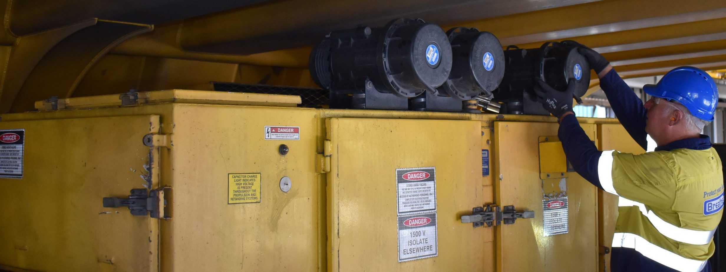 Nick Komatsu 830E EE Electrical Enclosure HV Cabinet Trail Meandu